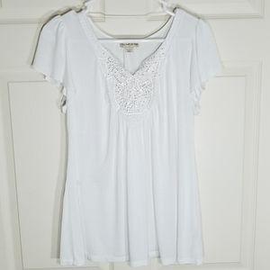 🎀EUC🎀 LIVE & LET LIVE White Embellished V-Neck